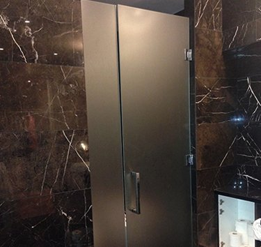 Shower Doors Toronto | Custom Glass Shower Enclosures | Custom Mirrors