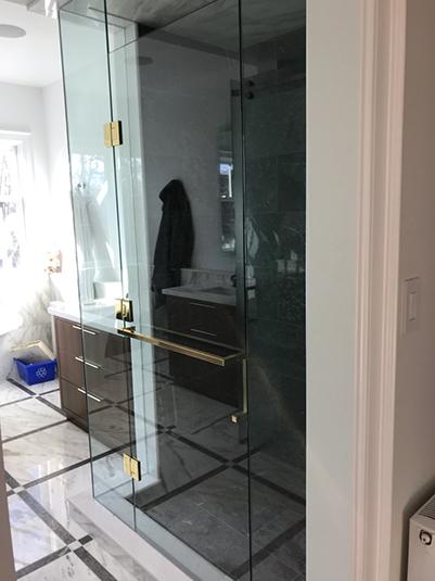Shower glass enlcosure